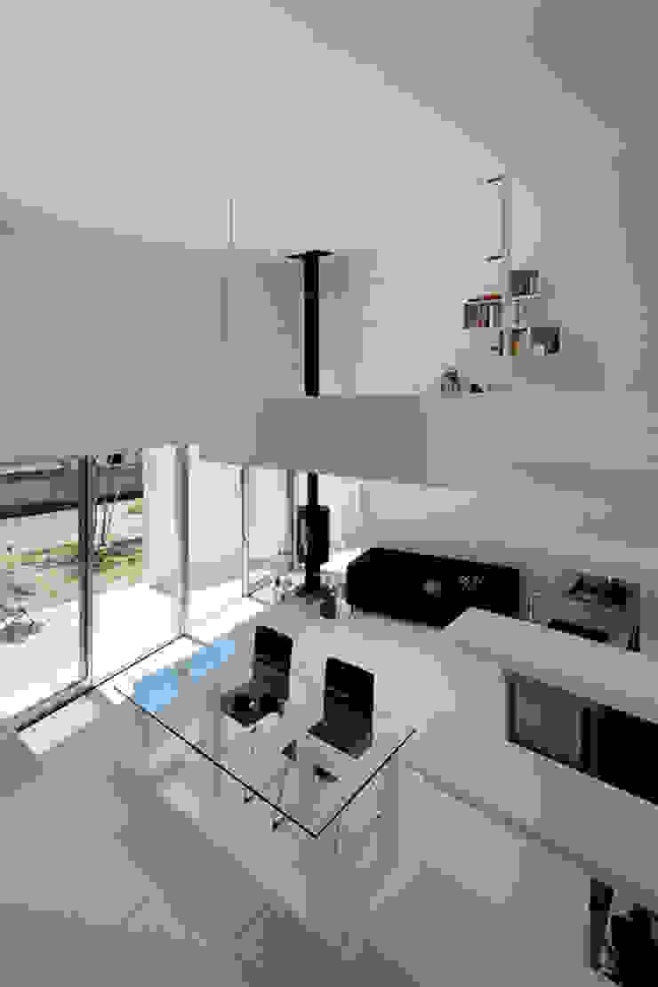 de 稲山貴則 建築設計事務所 Minimalista Hierro/Acero