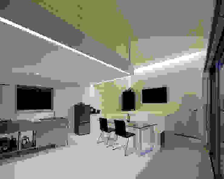 Comedores minimalistas de 稲山貴則 建築設計事務所 Minimalista