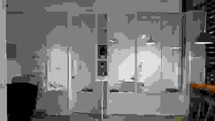 純白的檢查空間 XY DESIGN - XY 設計 Office spaces & stores