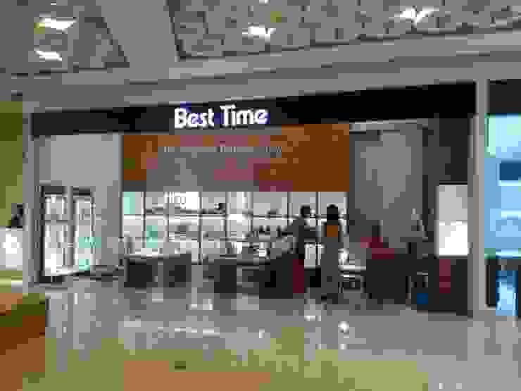 Interior Toko Best Time – Sadira Plaza – Pekanbaru Oleh RF Arch & Design