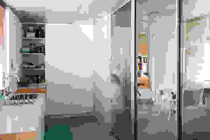 Qiarq . arquitectura+design Módulos de cocina Contrachapado Blanco