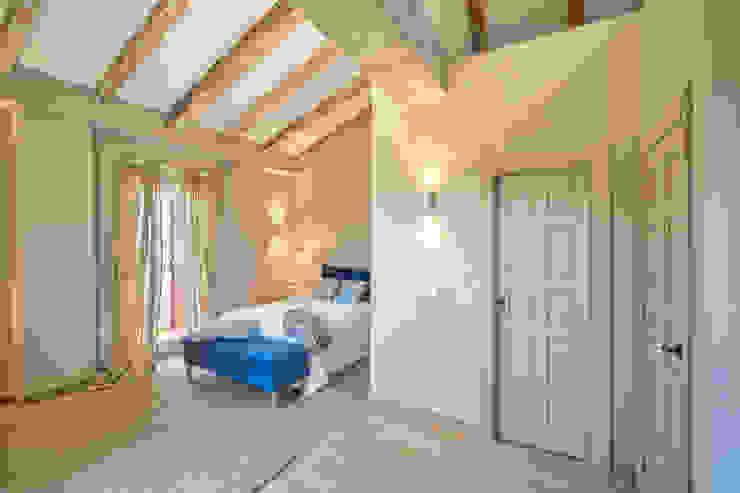 Mediterranean style bedroom by Idearte Marta Montoya Mediterranean