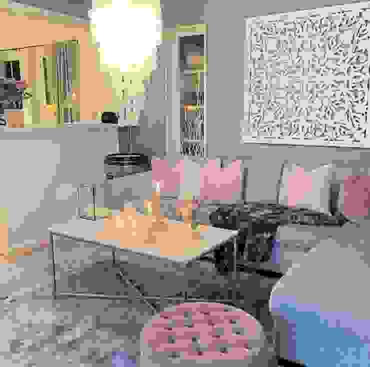 Moderne Wohnzimmer von AL Interiores Modern Holzwerkstoff Transparent