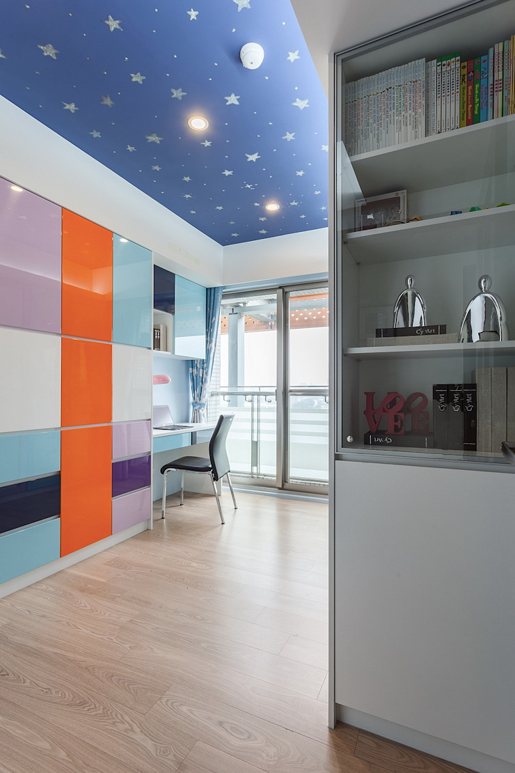 Phòng học/văn phòng phong cách hiện đại bởi 鼎士達室內裝修企劃 Hiện đại Gỗ Wood effect