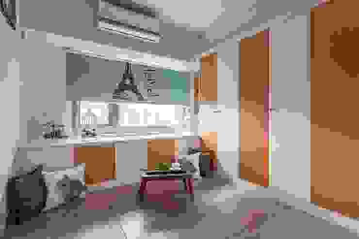Phòng ngủ phong cách hiện đại bởi 鼎士達室內裝修企劃 Hiện đại Gỗ Wood effect