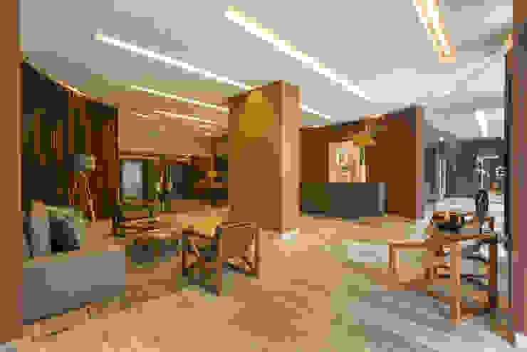 Corridor & hallway by IDEA Asociados, Modern