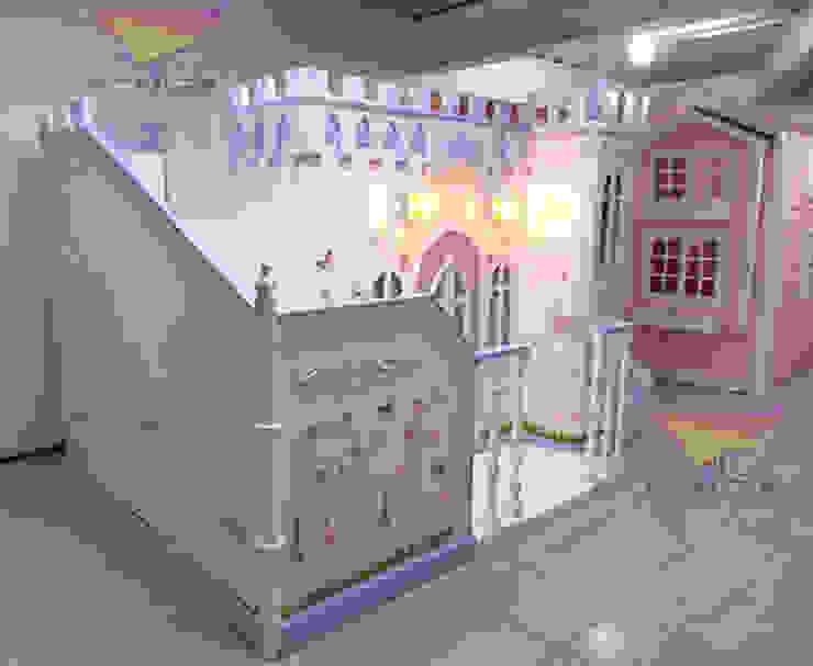 Único castillo estilo Bella y Bestia de camas y literas infantiles kids world Clásico Derivados de madera Transparente
