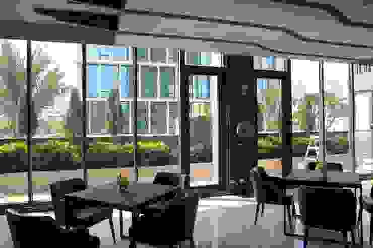 交誼廳落地窗-1 根據 鵝牌氣密窗-台中直營店