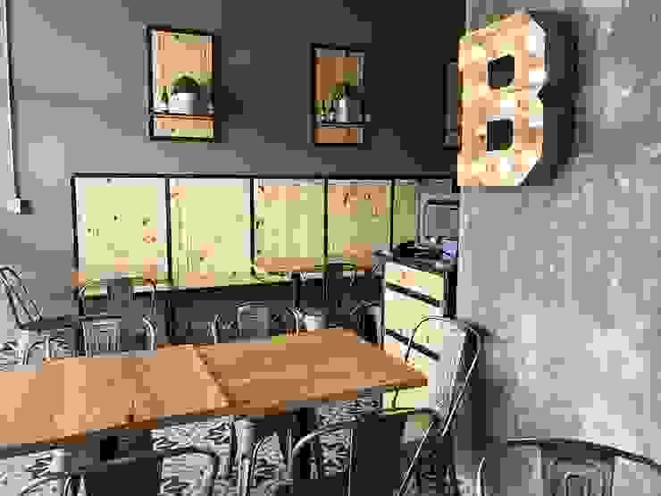 Estudio Chipotle Industrial style commercial spaces Wood-Plastic Composite Grey