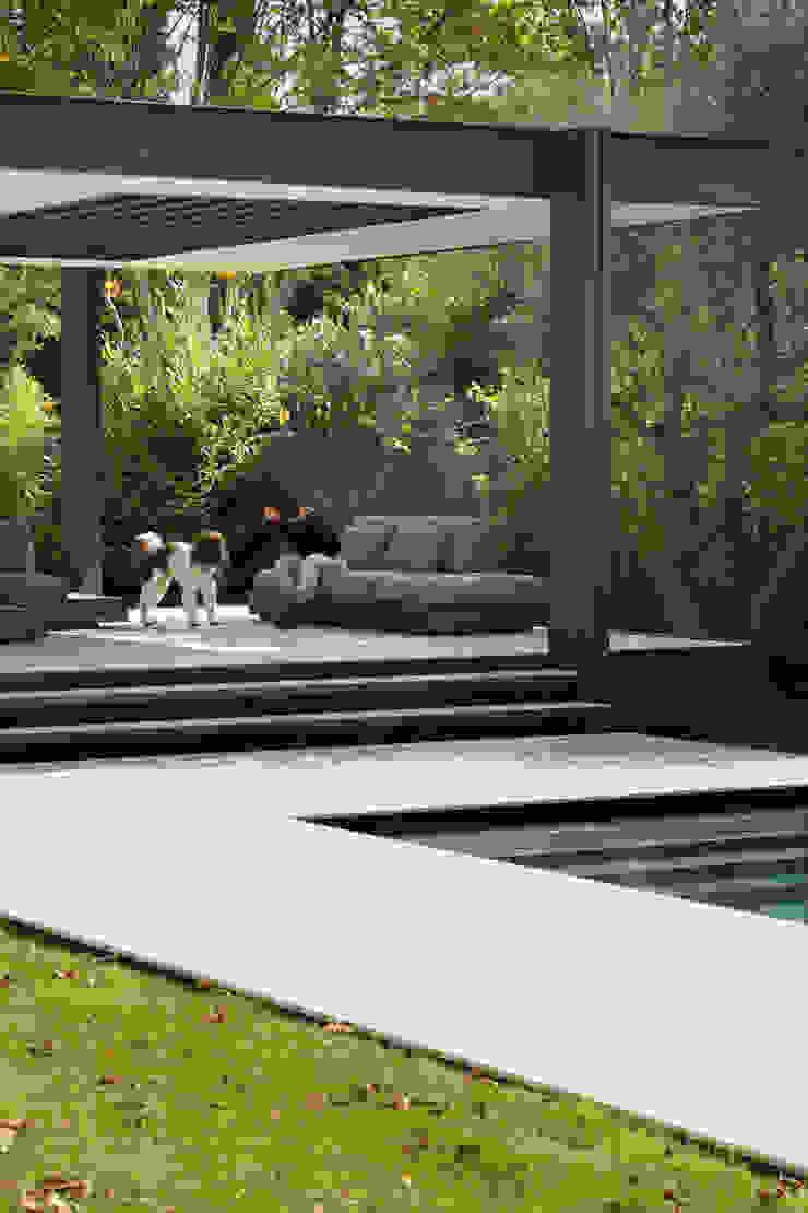 CTN HOUSE par Brengues Le Pavec architectes Minimaliste Grès
