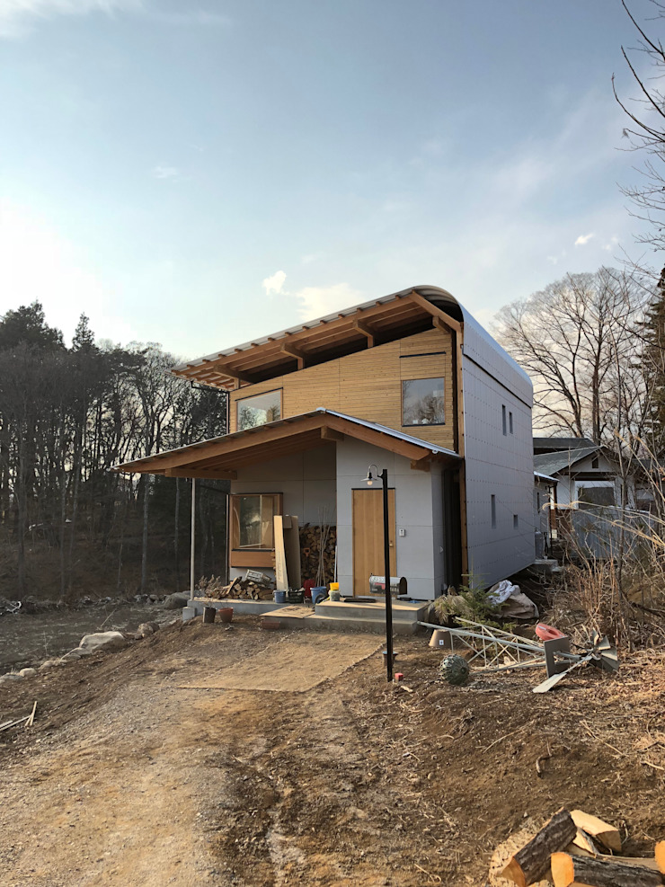 すわ製作所 Eclectic style houses Wood