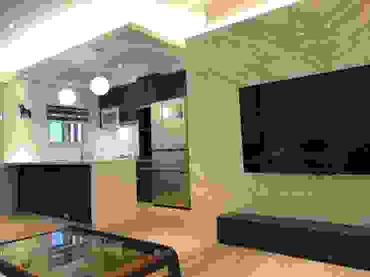 五股成泰路 開放式廚房 造型吧台設計 现代客厅設計點子、靈感 & 圖片 根據 捷士空間設計(省錢裝潢) 現代風