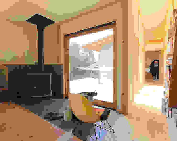すわ製作所 Eclectic style dining room Wood