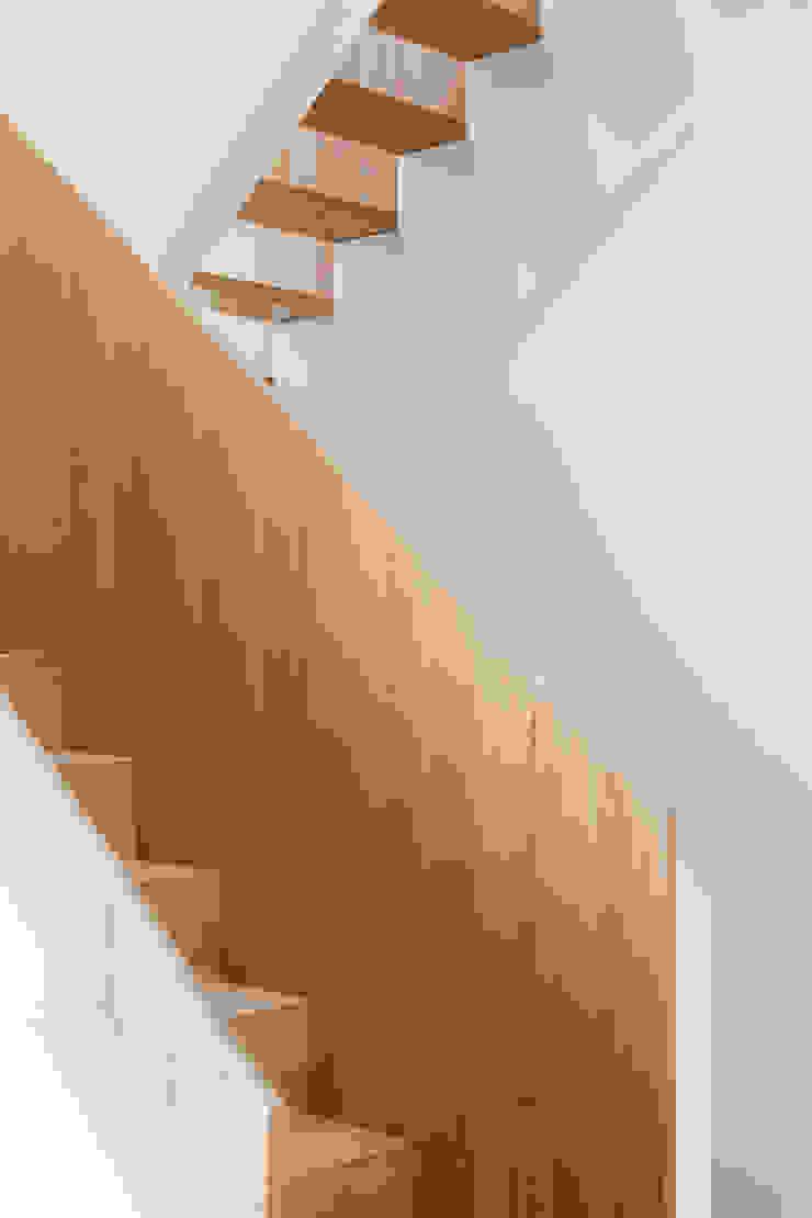 Koetshuis van Richèl Lubbers Architecten Modern