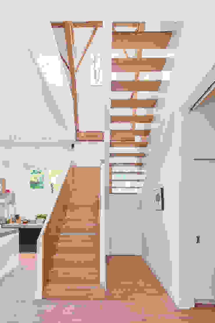 Koetshuis Moderne keukens van Richèl Lubbers Architecten Modern
