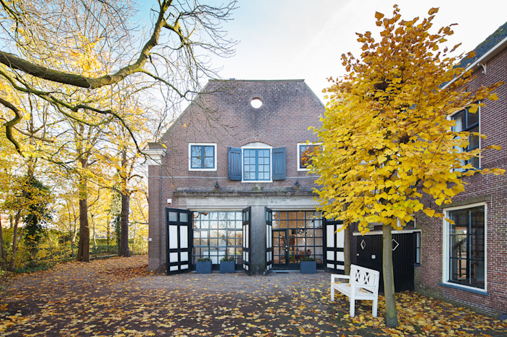 Koetshuis Moderne huizen van Richèl Lubbers Architecten Modern