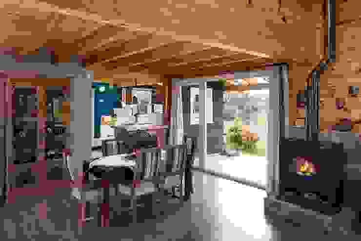 Comedores de estilo clásico de Patagonia Log Homes - Arquitectos - Neuquén Clásico Madera Acabado en madera