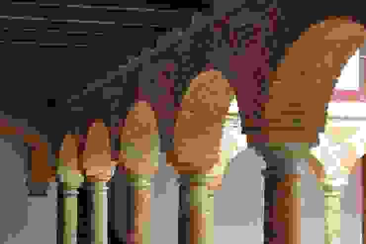 Arcos Paredes y pisos de estilo colonial de JLS ILUMINACIONES S.A.S. Colonial