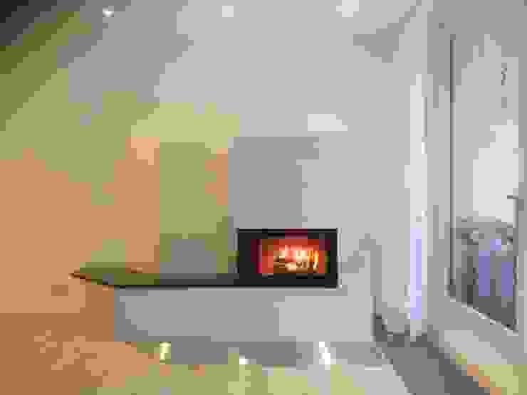 Modern Living Room by FORMTEQ Modern Granite