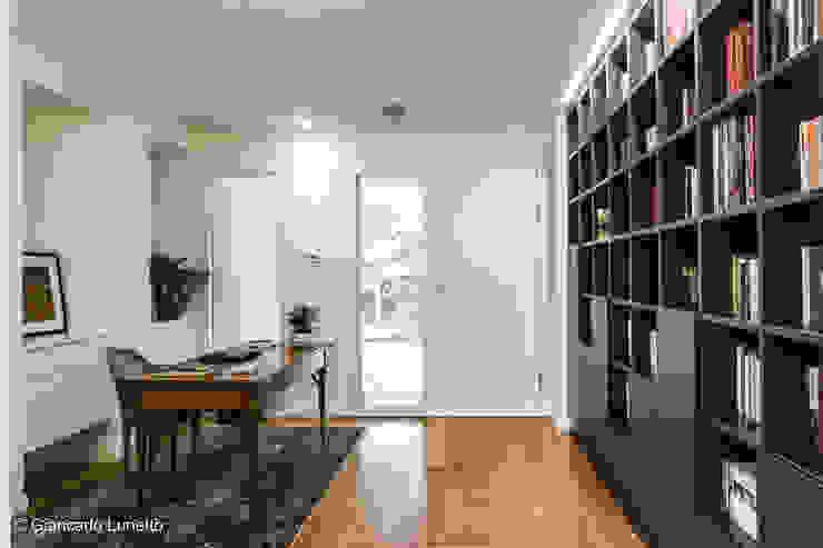Ignazio Buscio Architetto Modern Study Room and Home Office Wood Grey