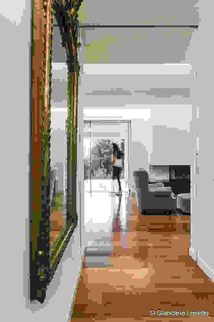 Ignazio Buscio Architetto Modern Study Room and Home Office Wood White