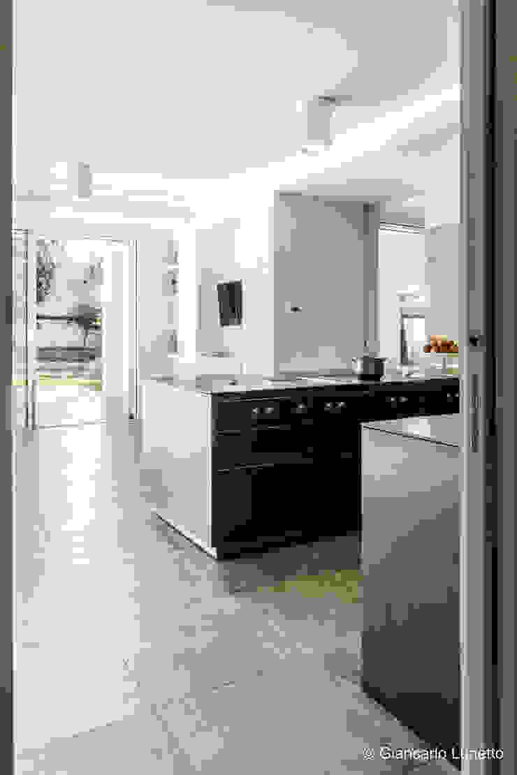 Ignazio Buscio Architetto Modern Kitchen Wood White
