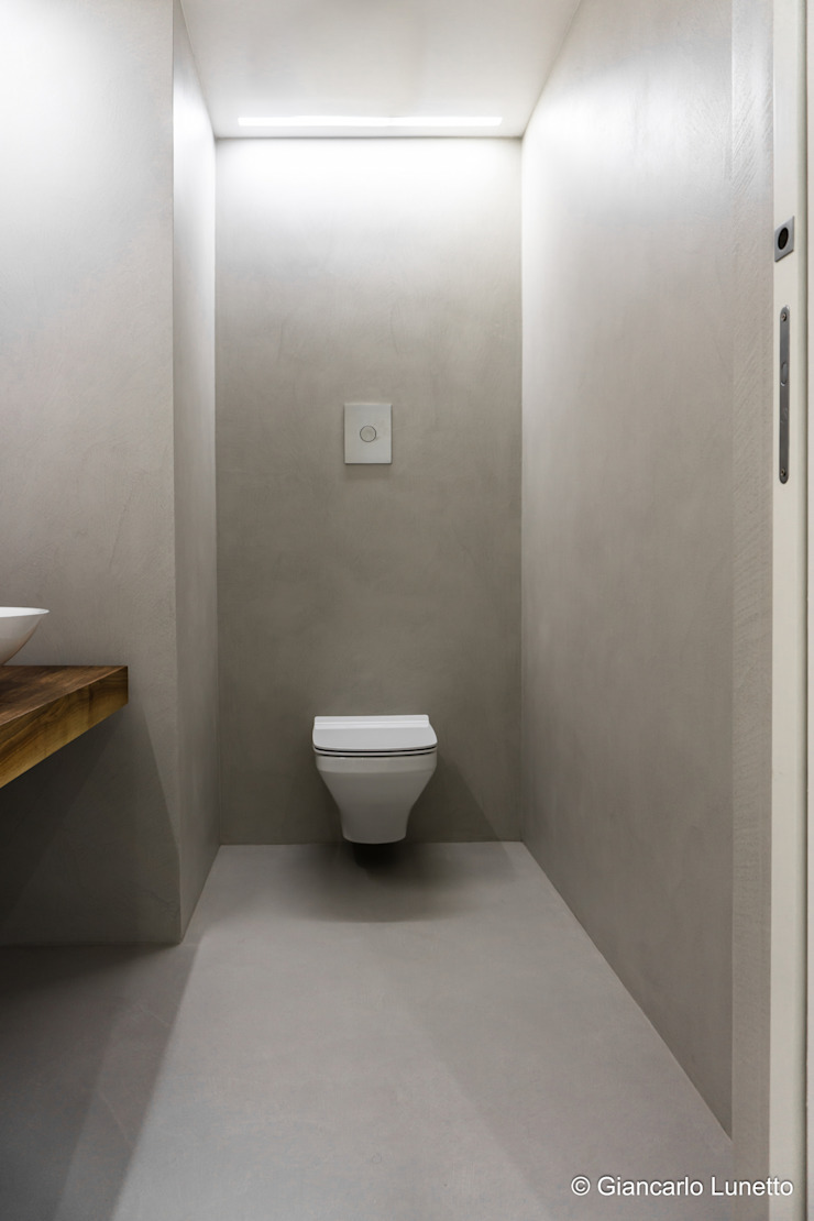 Ignazio Buscio Architetto Modern Bathroom Wood Beige