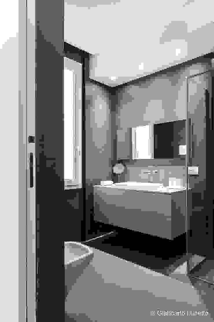 Ignazio Buscio Architetto Modern Bathroom Wood Brown
