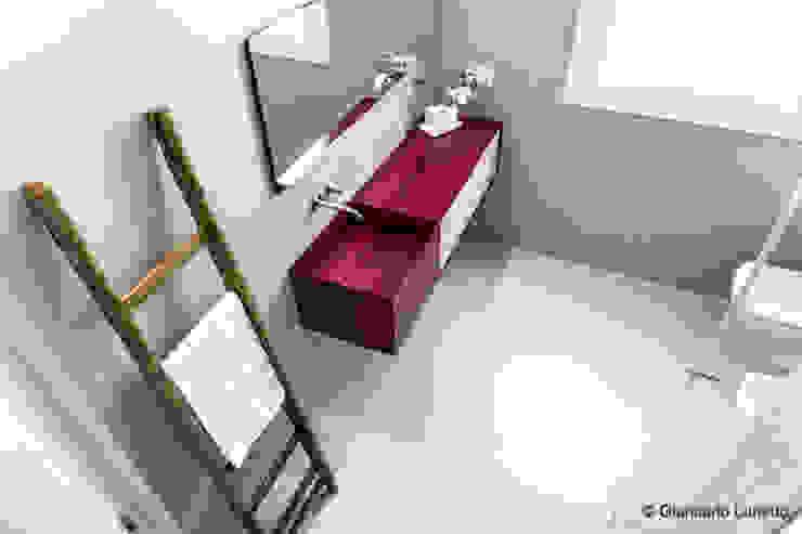 Ignazio Buscio Architetto Modern Bathroom Iron/Steel Beige