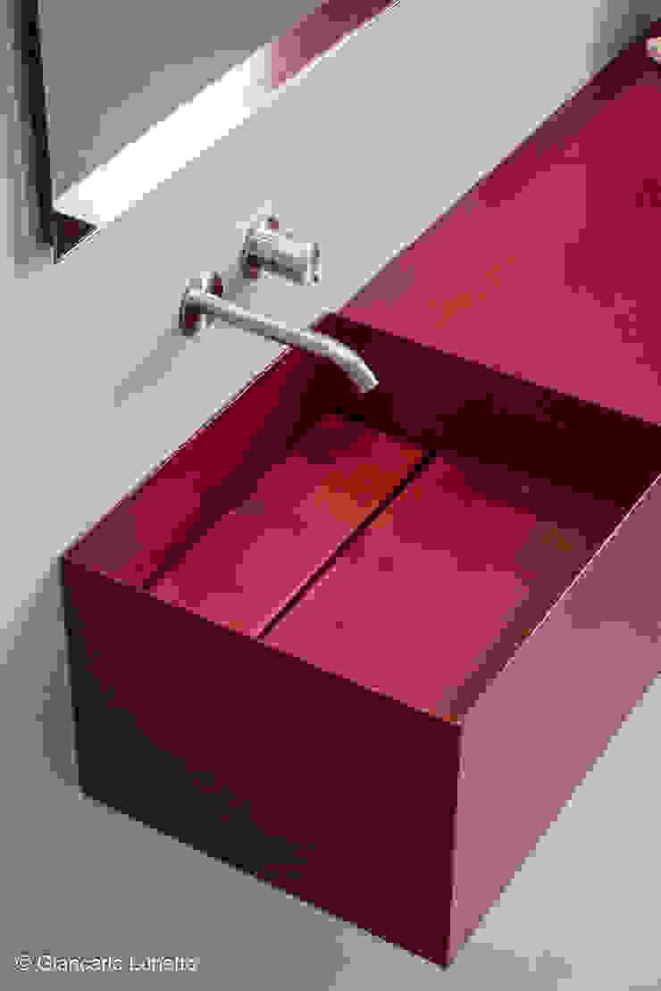 Ignazio Buscio Architetto Modern Bathroom Metal Red