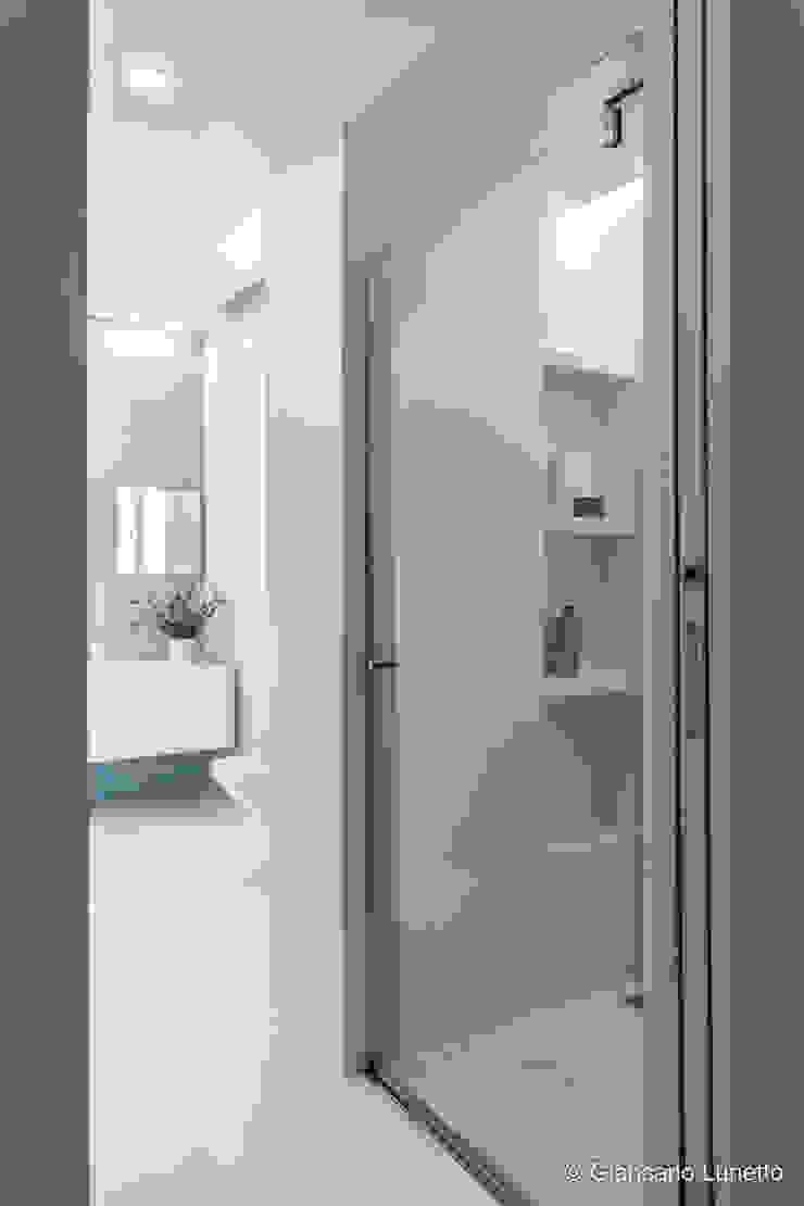 Ignazio Buscio Architetto Modern Bathroom Glass White