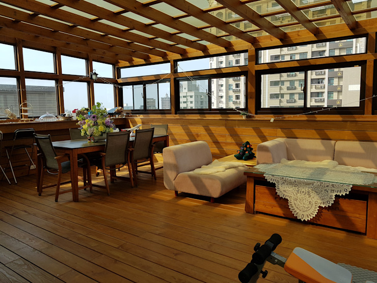 南方松玻璃屋: 不拘一格  by 園匠工坊-採光罩 玻璃屋 小木屋 露台 南方松木作工程, 隨意取材風