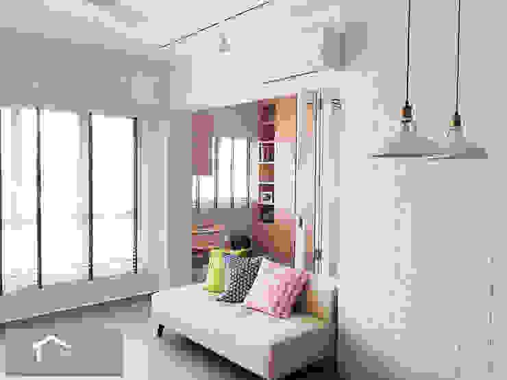 Minimalist with a Scandinavian twist Minimalist living room by Singapore Carpentry Interior Design Pte Ltd Minimalist