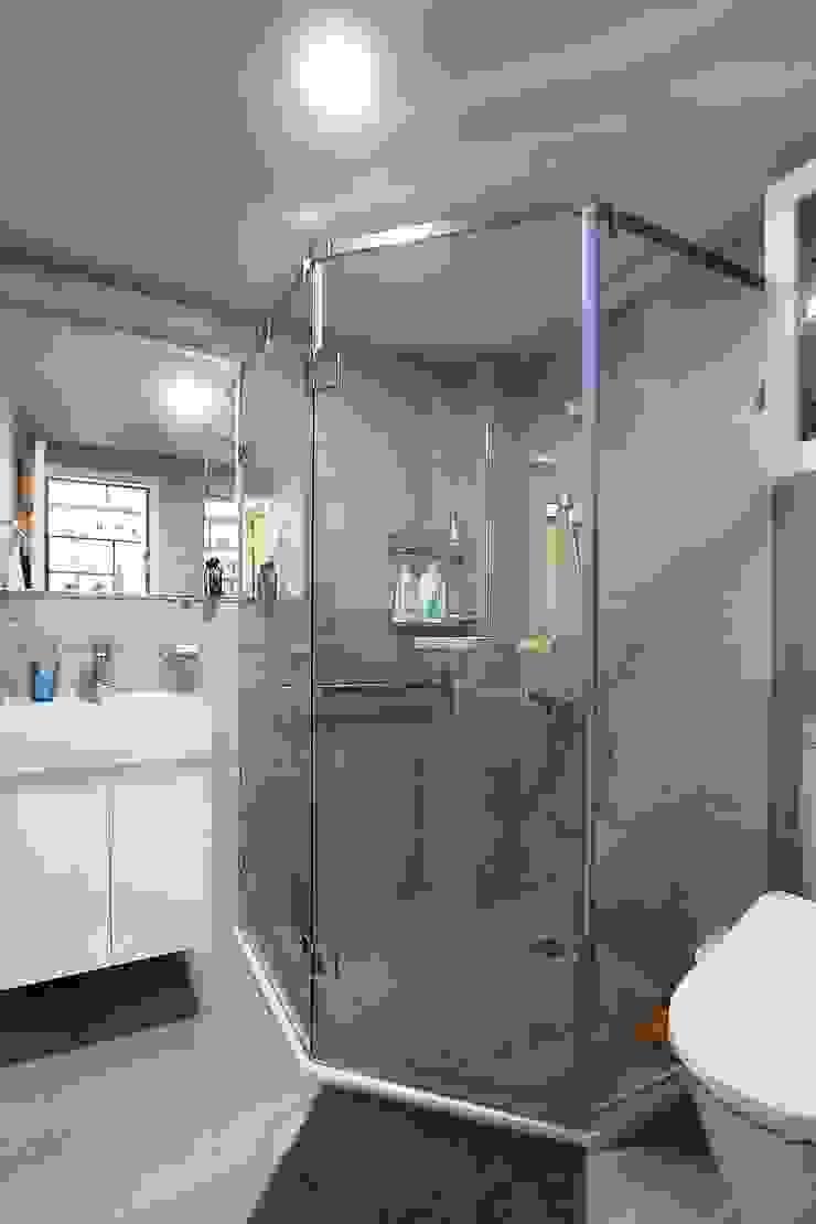 幾何形的沖澡空間 Modern style bathrooms by 奕禾軒 空間規劃 /工程設計 Modern