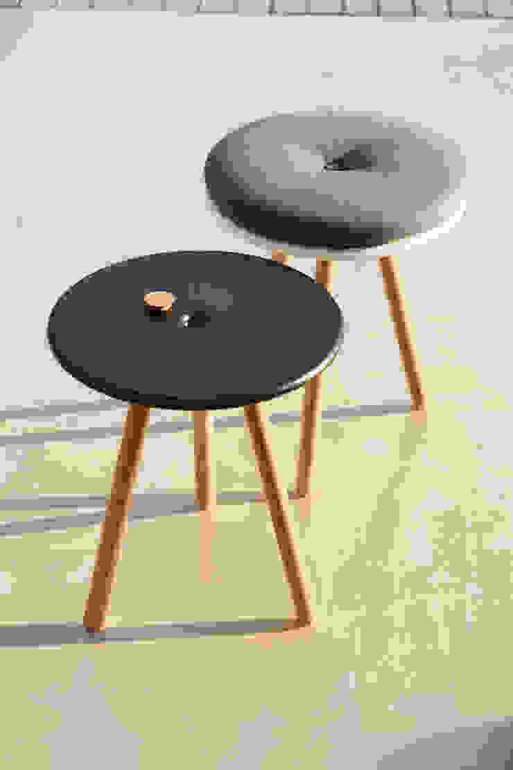 modern  oleh IQ Furniture, Modern Komposit Kayu-Plastik