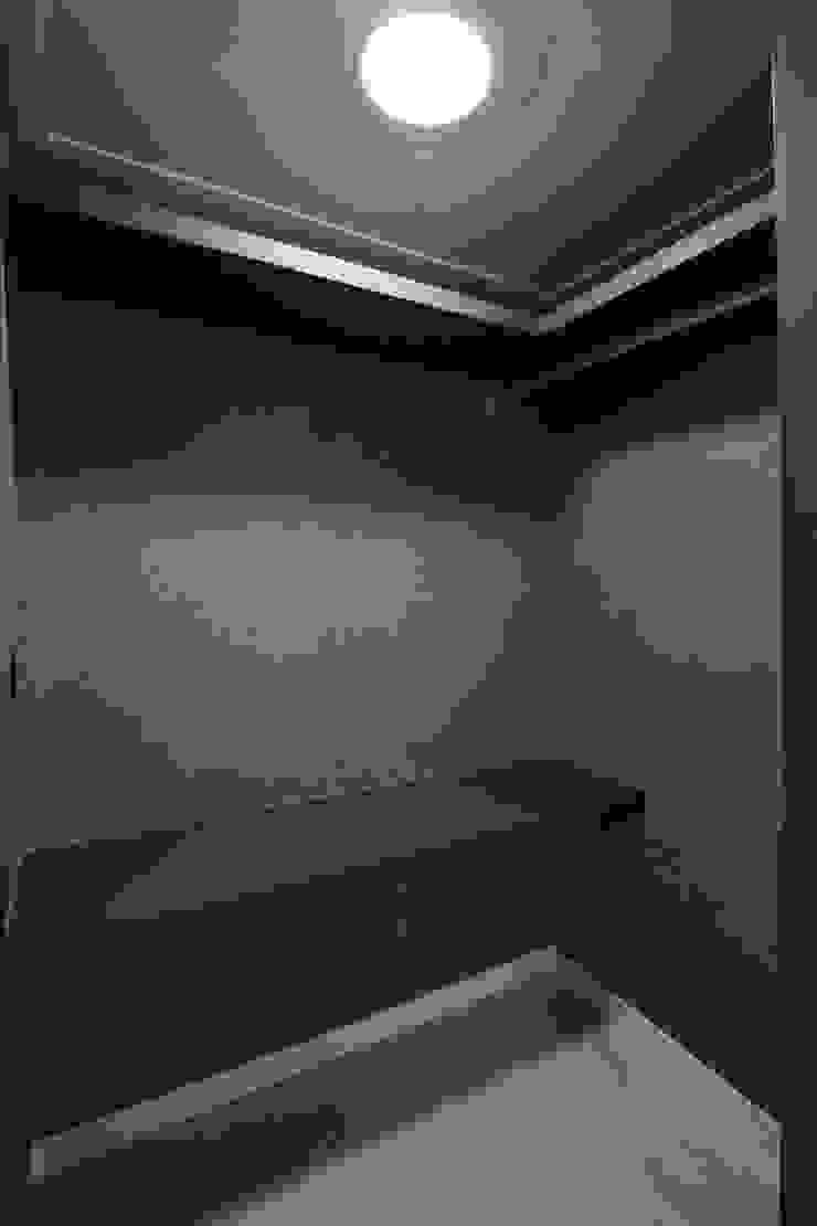 수원시 장안구 청솔주공 모던스타일 드레싱 룸 by 한 인테리어 디자인 모던