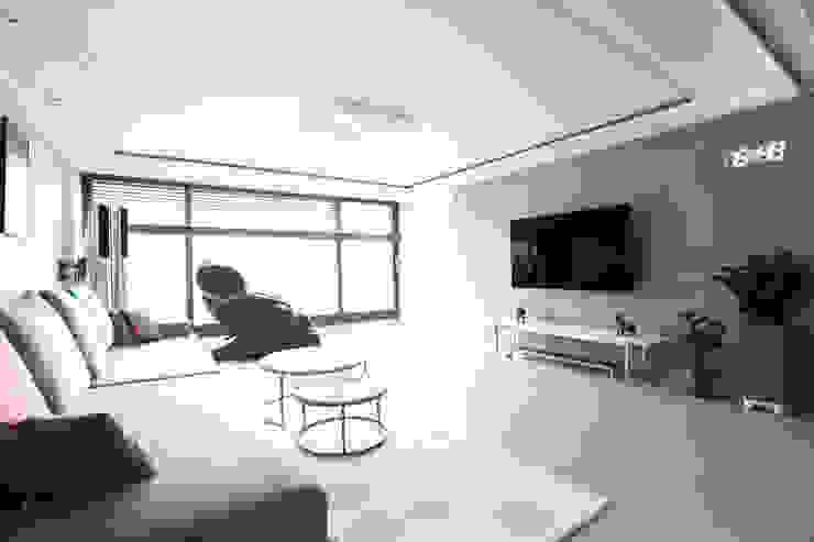 구로구 한솔아파트 38평 모던스타일 거실 by 디자인담다 모던