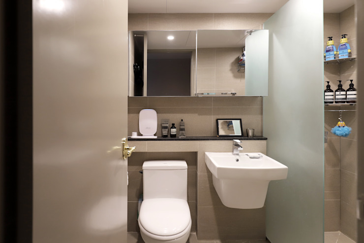 Modern bathroom by 디자인담다 Modern