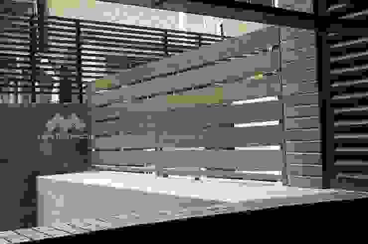塑木圍籬 根據 新綠境實業有限公司