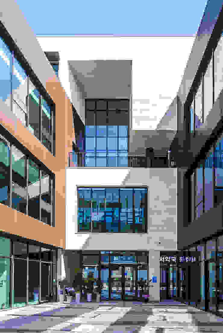 โดย 201 건축사사무소 โมเดิร์น