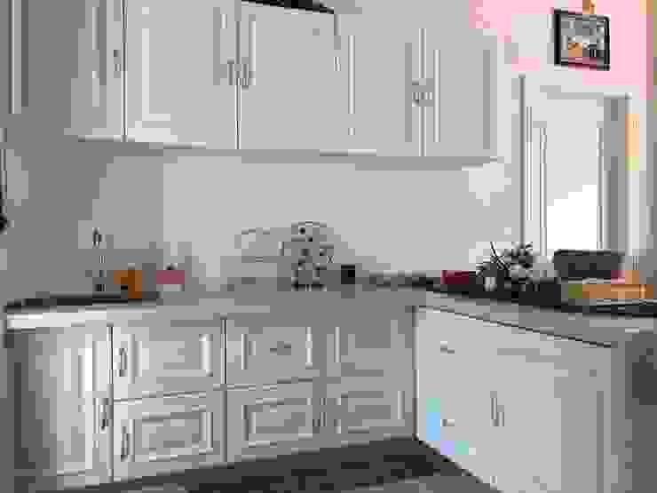 Asian style kitchen by PT. Leeyaqat Karya Pratama Asian