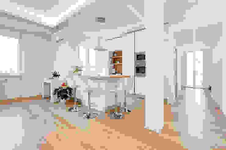Кухня в стиле модерн от EF_Archidesign Модерн