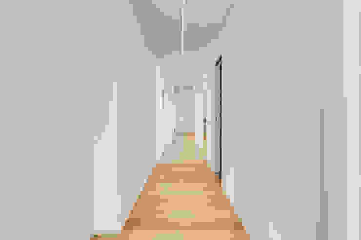 Ванная комната в стиле минимализм от EF_Archidesign Минимализм