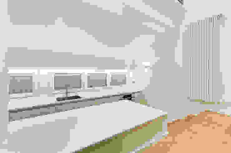 Кухня в стиле минимализм от EF_Archidesign Минимализм