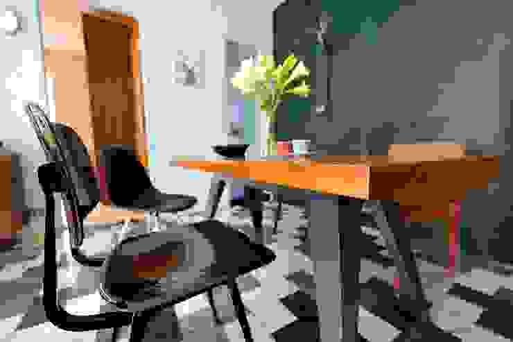 藍綠相間大理石地板與黑板相呼應 Asian style dining room by 直方設計有限公司 Asian