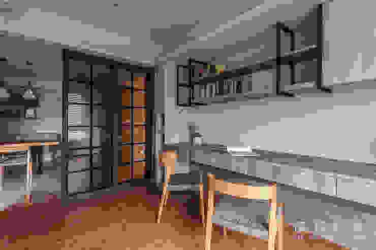 簡潔俐落的書房 根據 漢玥室內設計 現代風
