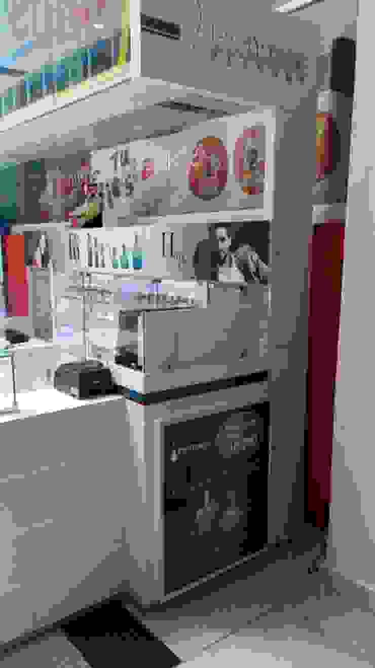 Perfumes Factory de QBICUS SAS Moderno