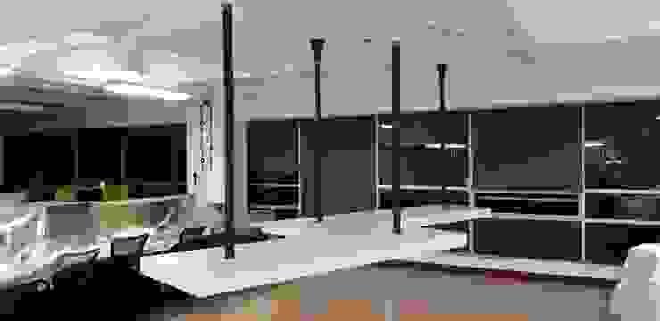 Oficina Contexto Urbano de QBICUS SAS Moderno