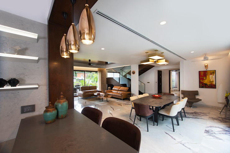 Lights. Minimalist dining room by Kembhavi Architecture Foundation Minimalist Copper/Bronze/Brass