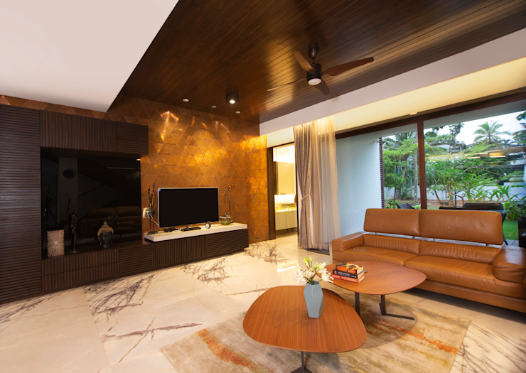 Feature Wall:  Living room by Kembhavi Architecture Foundation,Minimalist Metal
